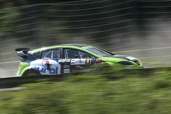 Ron Snoeck van B naar A-Finale tijdens BK Rallycross op Duivelsbergcircuit