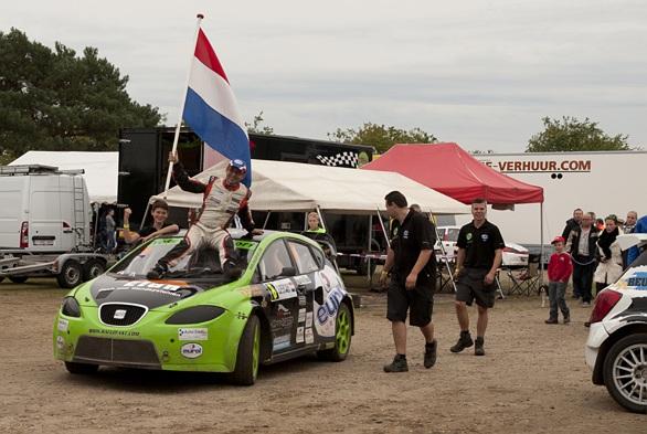 De kampioensrace van het Ron Snoeck Racing Team op video