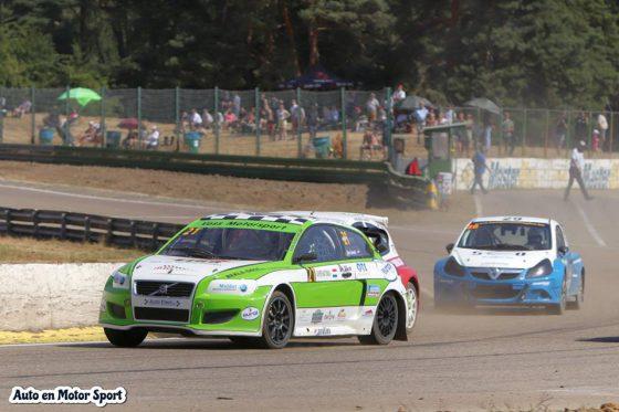 Podium reeks houd stand voor het Ron Snoeck Racing Team